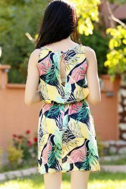 Laciyeşil Kolsuz Kemerli Elbise