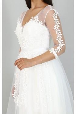 Çiçek Kabartmalı Uzun Beyaz Abiye