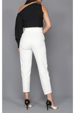 Siyah Üst & Beyaz Pantolon Takım